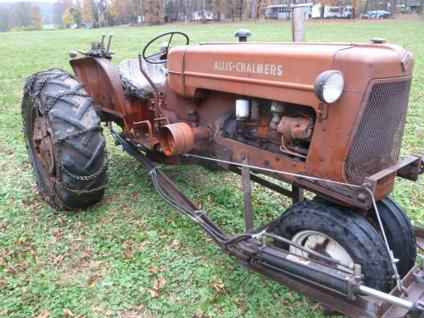 $2,900, 1961 Allis Chalmers Tractor with Snow Plow