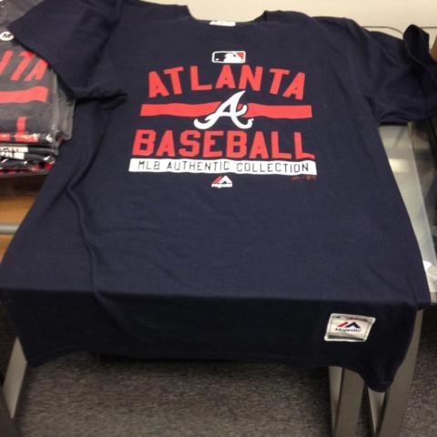2 atlanta braves adult medium t shirts brand new w tags for Adult medium t shirt