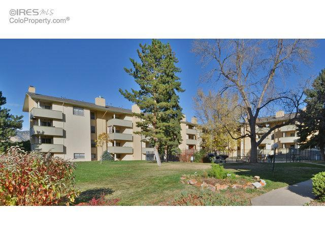 2 Bed 1 Bath Condo 3035 ONEAL PKWY #13