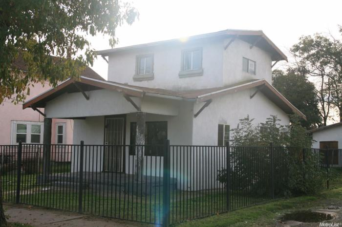 2 Bed 1 Bath House 1527 S AURORA ST