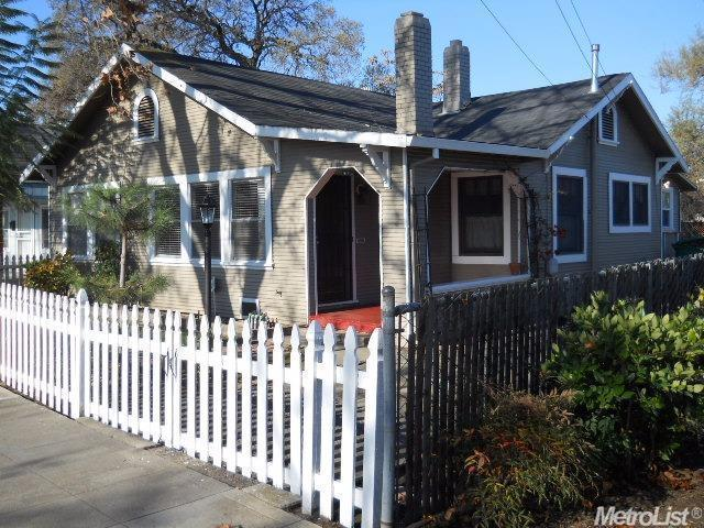 2 Bed 1 Bath House 419 MCCLOUD AVE