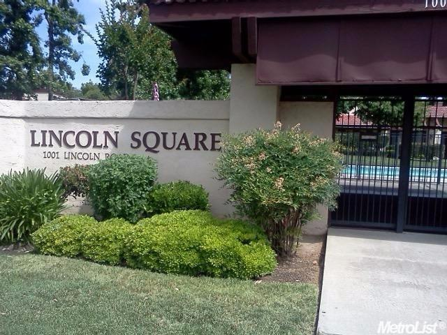 2 Bed 2 Bath Condo 1001 W LINCOLN RD #S