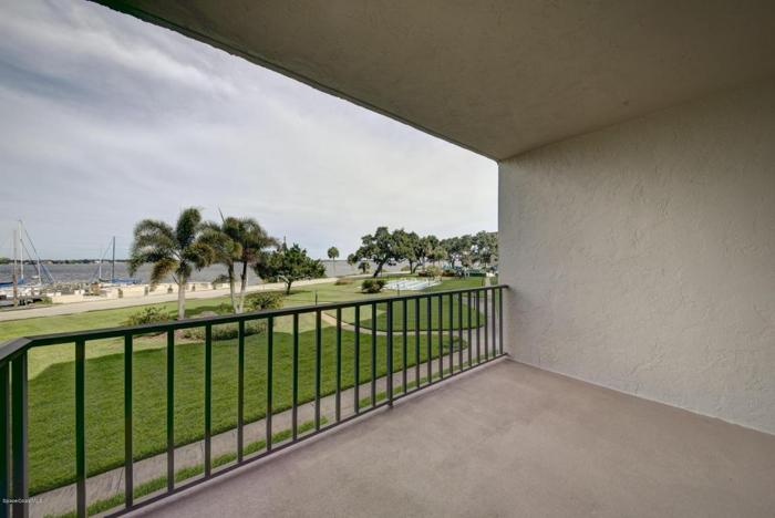 2 Bed 2 Bath Condo 1025 ROCKLEDGE DR #205