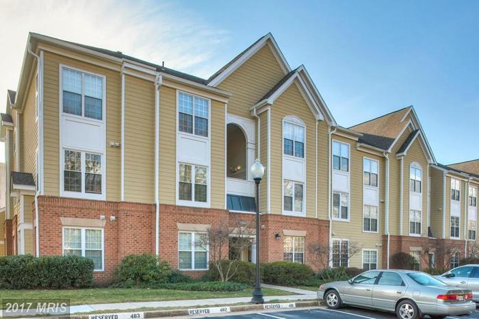 2 Bed 2 Bath Condo 12901 ALTON SQ #103