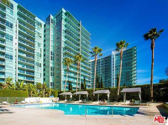 2 Bed 2 Bath Condo 13700 MARINA POINTE DR #425
