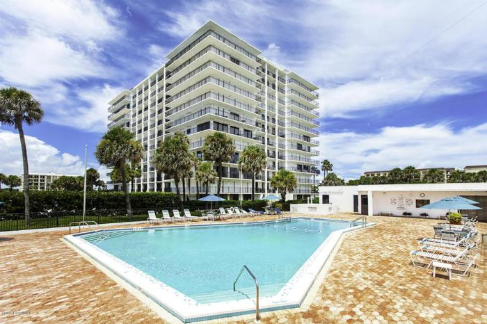 2 Bed 2 Bath Condo 2100 N ATLANTIC AVE #803