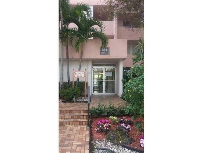 2 Bed 2 Bath Condo 3841 ENVIRON BLVD #234