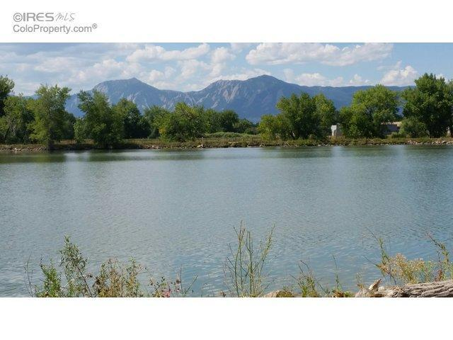 2 Bed 2 Bath Condo 4945 TWIN LAKES RD #40