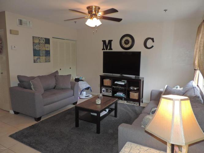 2 Bed 2 Bath Condo 7815 MAPLEWOOD DR #706