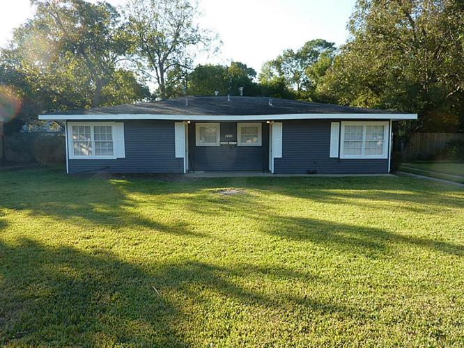 2 bed 2 bath house 215 w 34th st for sale in houston, texas classified americanlisted.com
