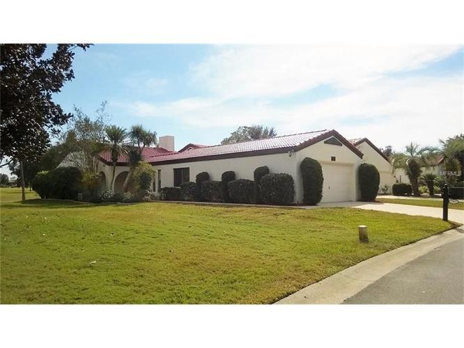 2 Bed 2 Bath House 565 CLUBHOUSE DR