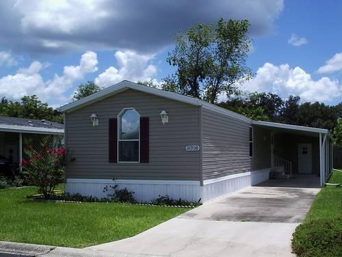 2 bedroom 2 bath mobile home with land in south hill zephyrhills fl for sale in zephyrhills. Black Bedroom Furniture Sets. Home Design Ideas