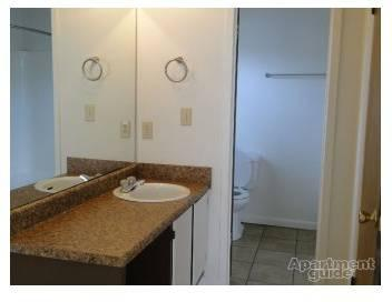 2 Beds - Shelton Park Apartments