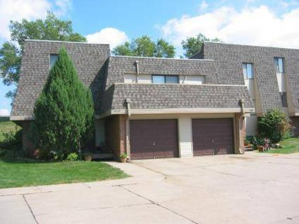 2 Beds Stony Brook Apartments Townhomes For Rent In Omaha Nebraska Classified