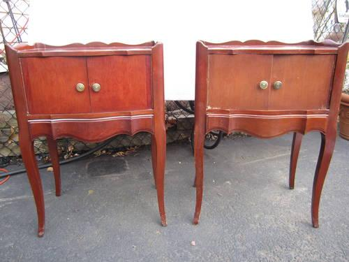 2 FRENCH STYLE 1940'S JOHN WIDDICOMB NIGHT STANDS