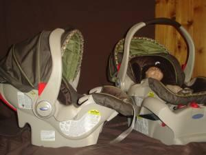 2) Graco Snugride35 car seats, DuoGlider stroller (great for twins ...