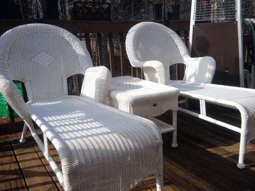 2 Hampton Bay All Weather Wicker Chaise Lounges And Table