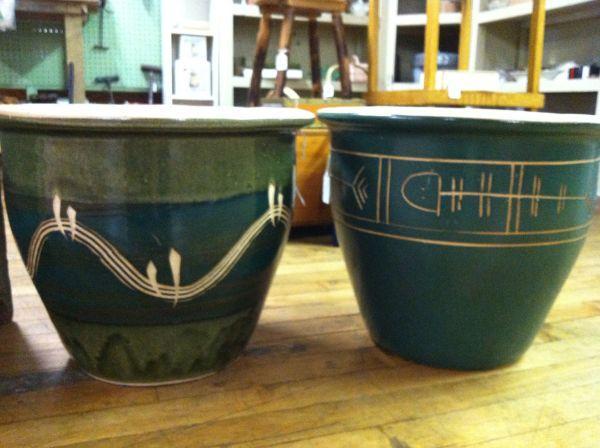 2 Large Ceramic Garden Flower Pots Hummelstown For