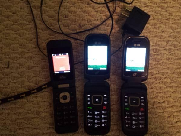 2 LG Flip Phones, 1 Virgin Mobile Flip Phone, and a free Charger!!!! - $25