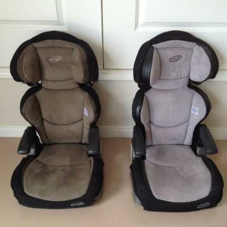 2 LIKE NEW EVENFLO BIG KID BOOSTER SEAT 3091851A For Sale In