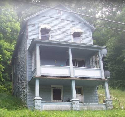 2 Story Home Basement Garage 3 Bedroom For Sale In Oil City Pennsylvan