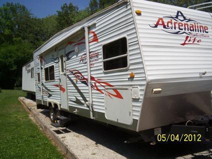 $20,500 OBO 2007 coachman toy hauler pull camper,, 31.5 foot nice