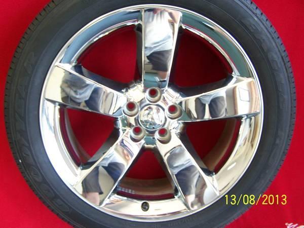 20 dodge challenger chrome oem wheels tires for sale in barnes illinois classified. Black Bedroom Furniture Sets. Home Design Ideas