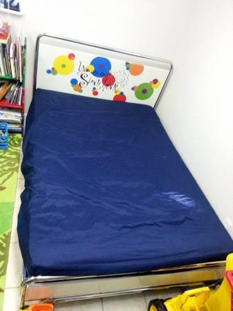 $20 Kids Full sized platform bed frame! - $20