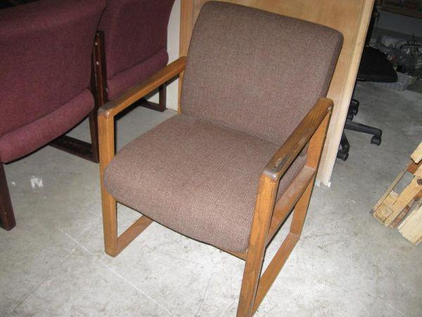 20 Quot Wide Nice Wood Cloth Chair Heavy Duty 501 Bell Ave