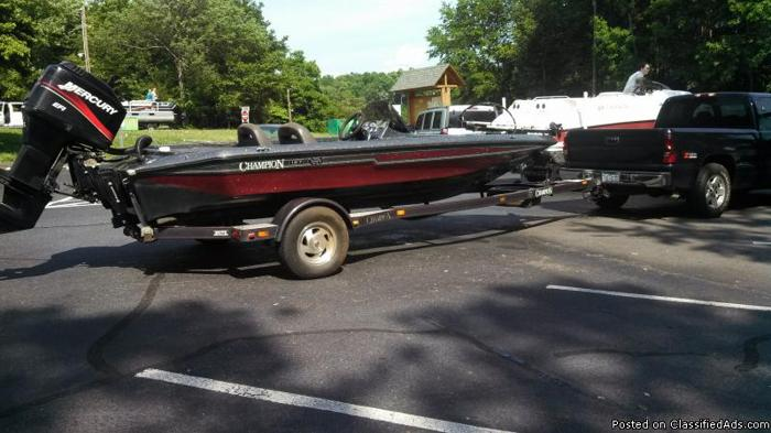 2000 25th Anniversary Champion 187 Fishing Boat For Sale