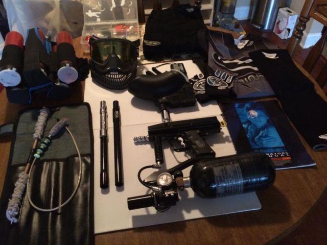 2000 Black Angel Paintball Gun  Accessories