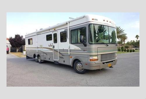 2000 Bounder by Fleetwood