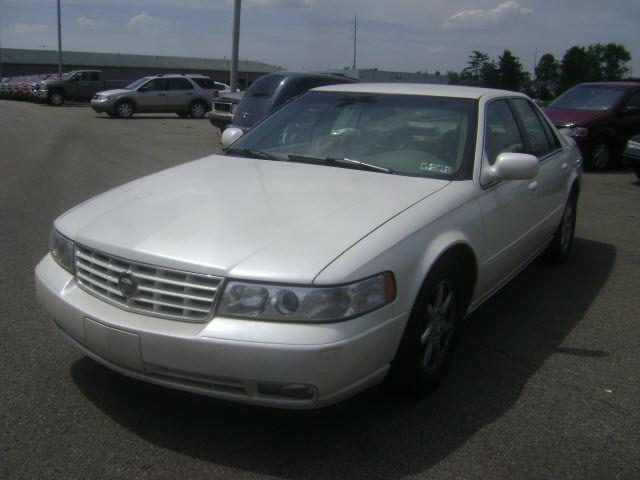 2000 cadillac seville sts for sale in zelienople pennsylvania classified. Black Bedroom Furniture Sets. Home Design Ideas
