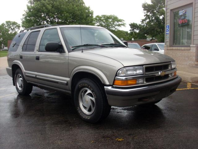 2000 chevrolet blazer lt for sale in channahon illinois classified. Black Bedroom Furniture Sets. Home Design Ideas