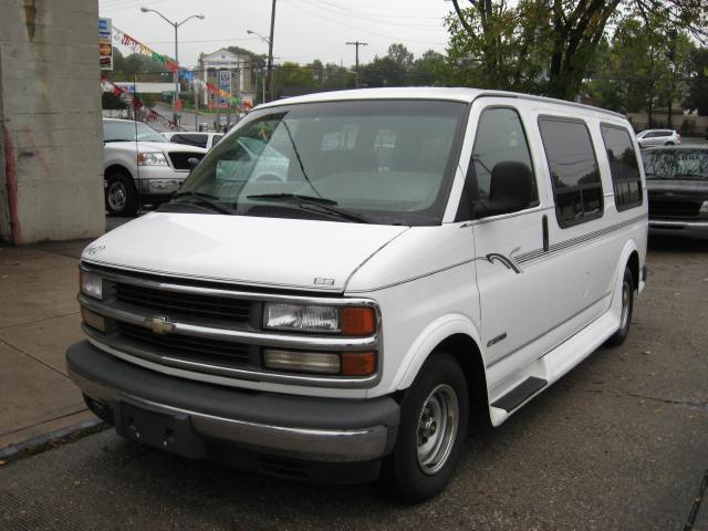 2000 Chevrolet Express 1500 For Sale In Floral Park New
