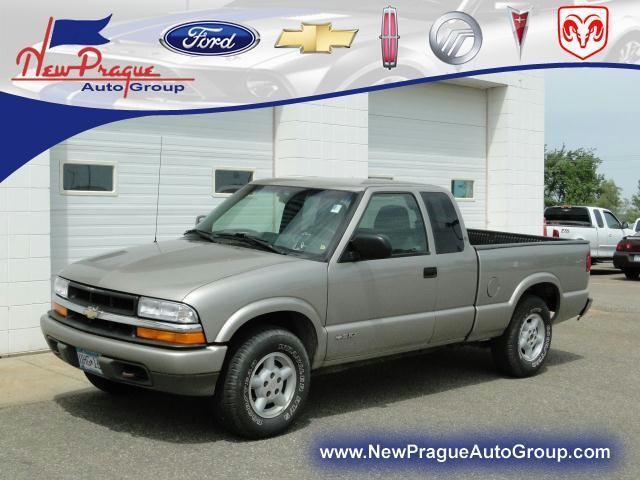 2000 chevrolet s 10 ls for sale in new prague minnesota classified. Black Bedroom Furniture Sets. Home Design Ideas
