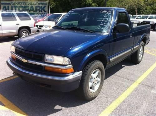 2000 Chevrolet S10 Truck 4x4 Truck