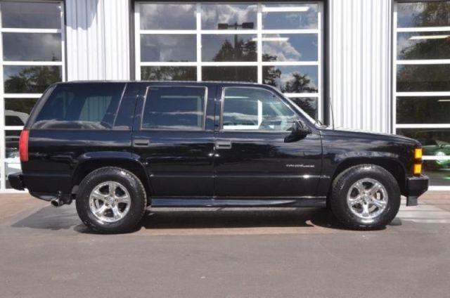 2000 chevrolet tahoe limited for sale in portland oregon classified. Black Bedroom Furniture Sets. Home Design Ideas