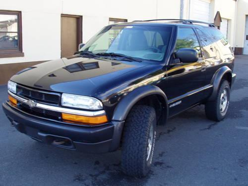 2000 chevy blazer 4x4 2 dr clean carfax low miles for sale in airlie virginia. Black Bedroom Furniture Sets. Home Design Ideas