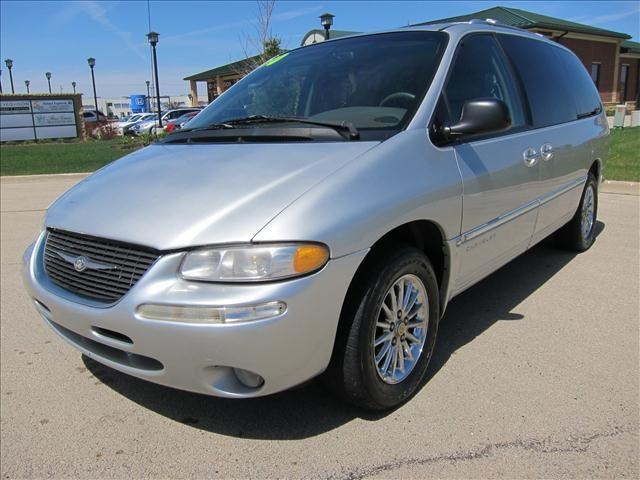 2000 chrysler town country limited for sale in sycamore. Black Bedroom Furniture Sets. Home Design Ideas