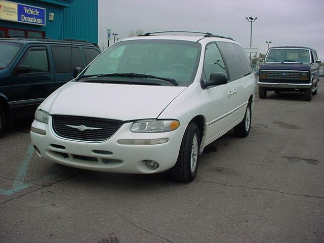 2000 chrysler town country lxi for sale in pontiac. Black Bedroom Furniture Sets. Home Design Ideas