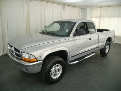 2000 dodge dakota 4x4 club cab 131 in wb for sale in sand. Black Bedroom Furniture Sets. Home Design Ideas