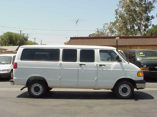 2000 Dodge Ram Van 2500 Maxi