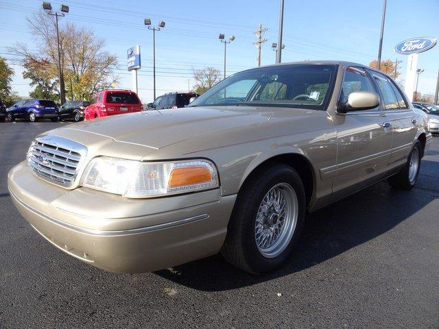 2000 Ford Crown Victoria Lx Louisville Ky For Sale In Louisville