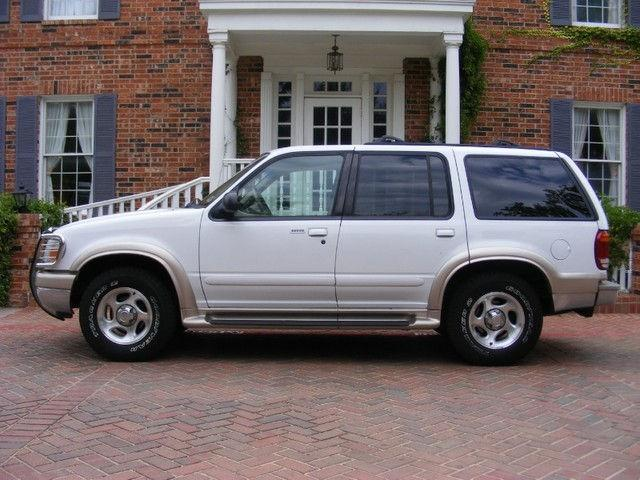 2000 ford explorer eddie bauer for sale in arlington. Black Bedroom Furniture Sets. Home Design Ideas