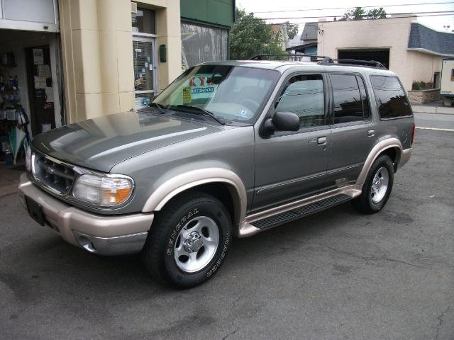2000 ford explorer eddie bauer for sale in clifton new jersey classified. Black Bedroom Furniture Sets. Home Design Ideas