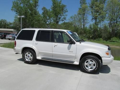 2000 ford explorer sport utility 4dr 112 wb limited 4wd for sale in barrington illinois. Black Bedroom Furniture Sets. Home Design Ideas