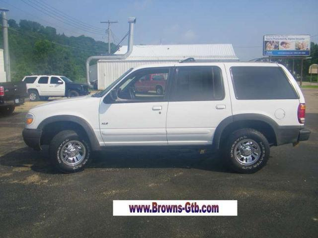 2000 ford explorer xls for sale in guttenberg iowa classified. Black Bedroom Furniture Sets. Home Design Ideas