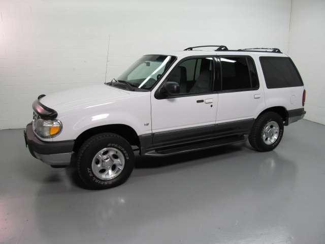 2000 ford explorer xlt for sale in solon ohio classified. Black Bedroom Furniture Sets. Home Design Ideas
