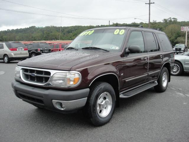 2000 ford explorer xlt for sale in duncansville pennsylvania classified. Black Bedroom Furniture Sets. Home Design Ideas